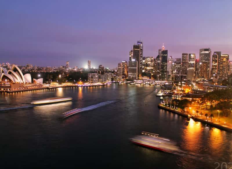 澳大利亚研究生留学条件费用一览 你花多了吗?
