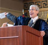 留學開學第一課 耶魯大學校長最新開學演講:希望你們求知若渴!