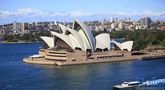 悉尼歌剧院是从20世纪50年代开始构思兴建