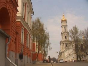 v美女到乌克兰留学有哪些美女?优势高中牛仔校园图片