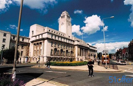 英国利兹大学留学一年多少钱?